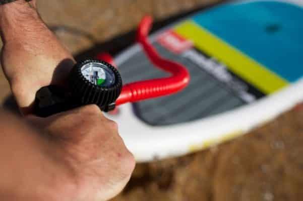 A quelle pression gonfler sa planche de paddle?