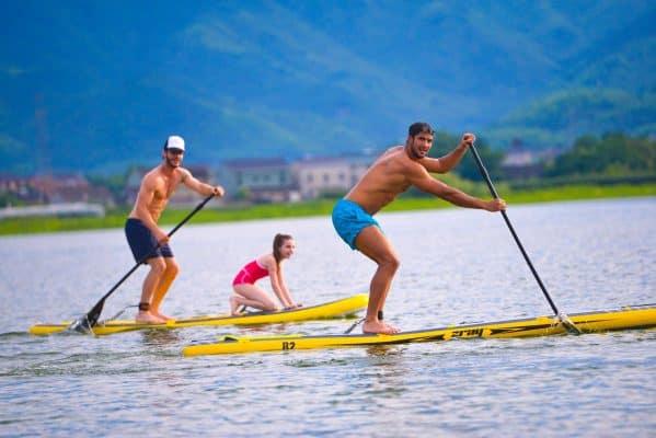 Pourquoi utiliser un leash pour faire du paddle? 5 raisons essentielles 2