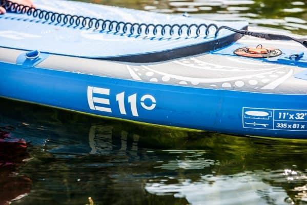 Pourquoi utiliser un leash pour faire du paddle? 5 raisons essentielles 5